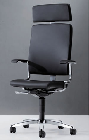 easySit® Bürostuhl mit schwarzem Leder und Design Armlehne