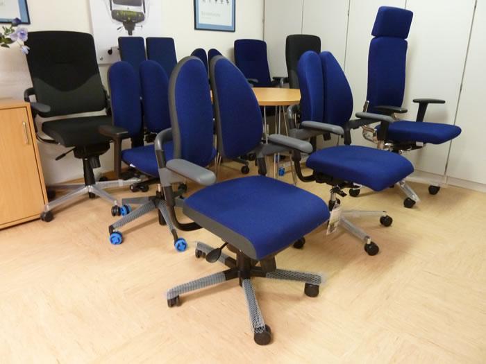 Ausstellun Bürostühle mit Duo Back Rücken und die aktuellen Bürostuhl Modelle